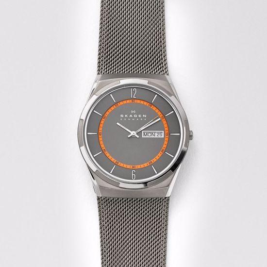Skagen Melbye Titanium and Grey Steel-Mesh Day-Date Klokke - SKW6007P