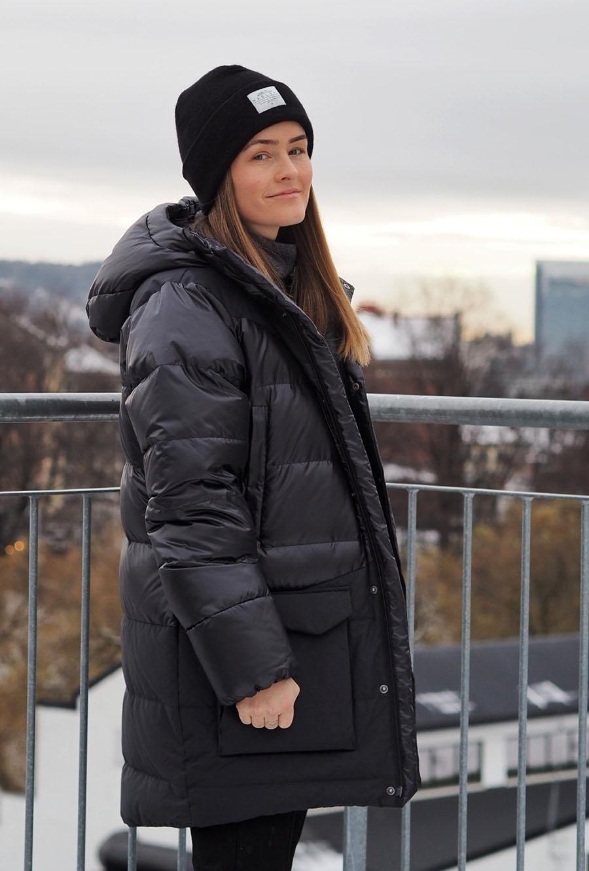 e2424bd6 Haglöfs VENJAN DOWN JACKET WOMEN true black- Nava Sport - Vi selger ...