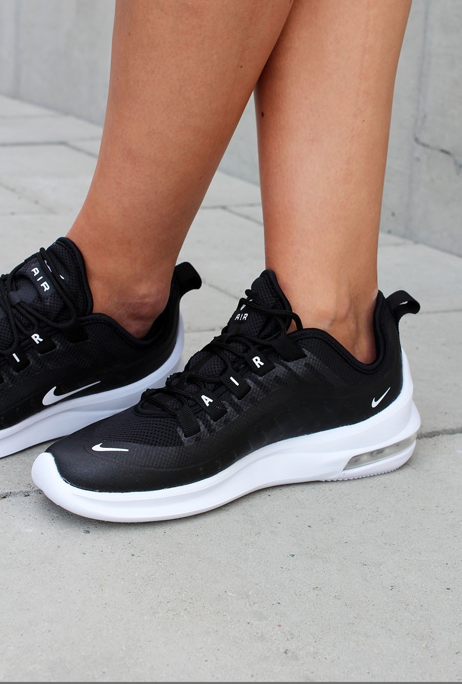 check out dbe0f 1670c ... Bilde av Nike WMNS NIKE AIR MAX AXIS AA2168-002 ...