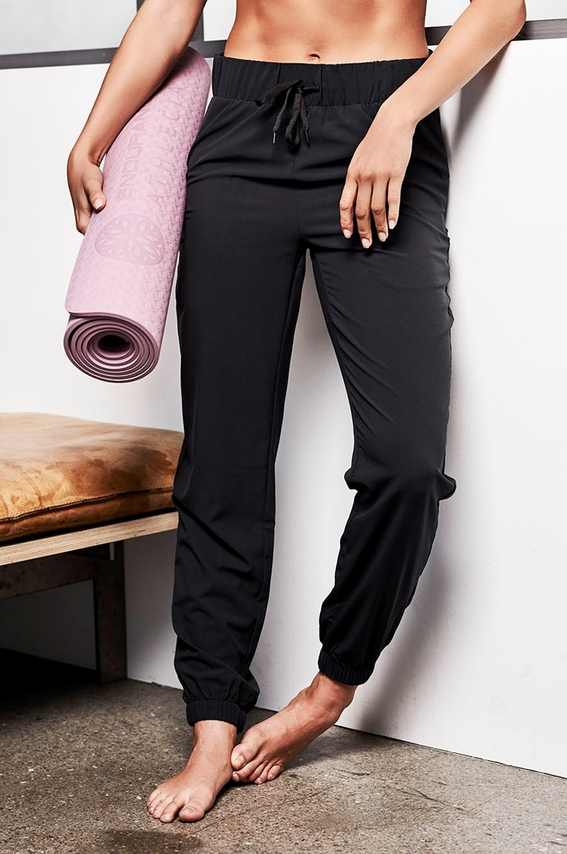 009998be Athlecia Austberg W Training pants E181382 black 1001- Nava Sport ...