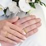 illustrasjon med hånd av gifteringer -230304