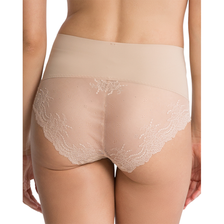 Bilde av Spanx 'SMOOTH' lace cheeky truse, soft nude